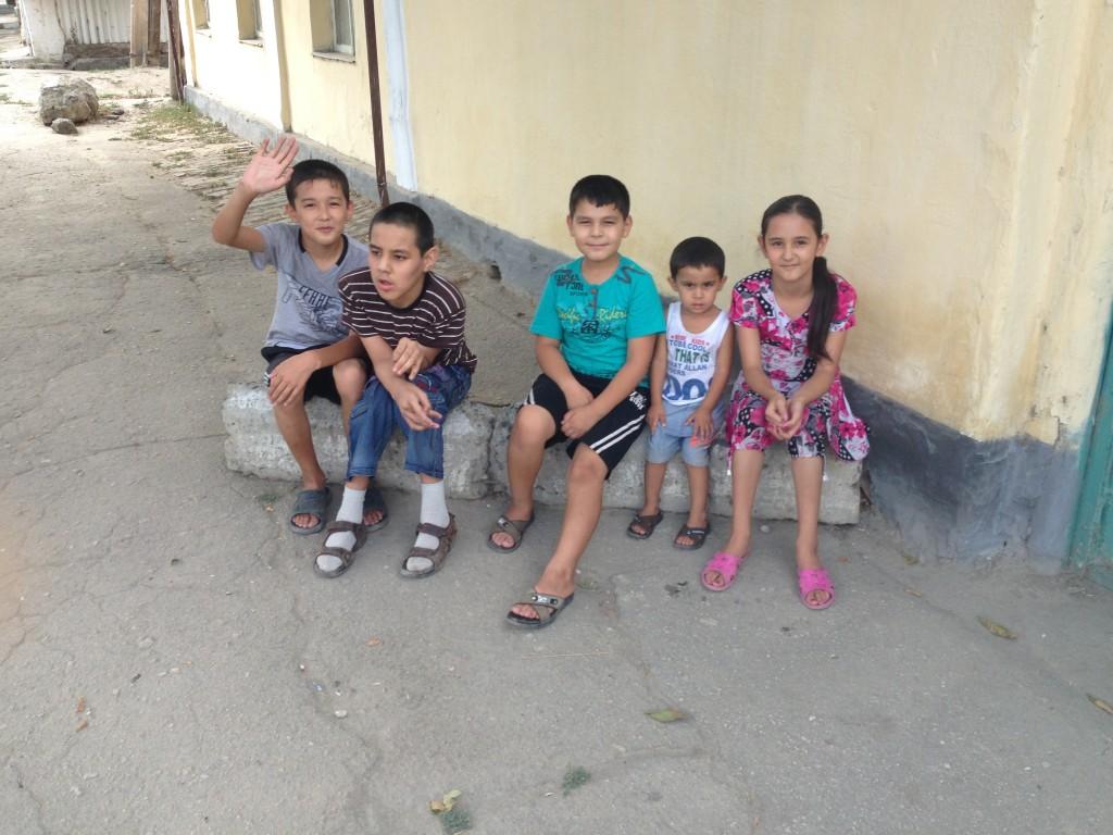 ウズベキスタン、サマルカンドの子どもたち