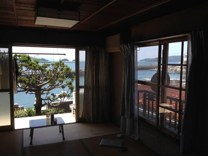 滞在中の家屋から想田監督が撮影した牛窓の海(c) Laboratory X, Inc.