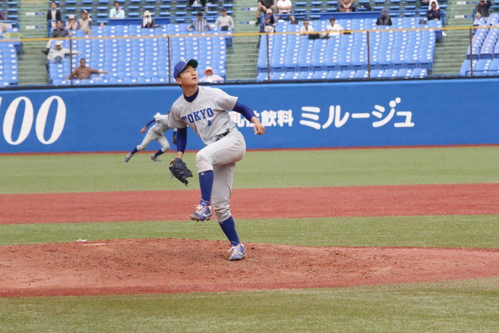 八回裏、2死満塁をファーストフライで切り抜けた宮台投手(撮影・佐方奏夜子)