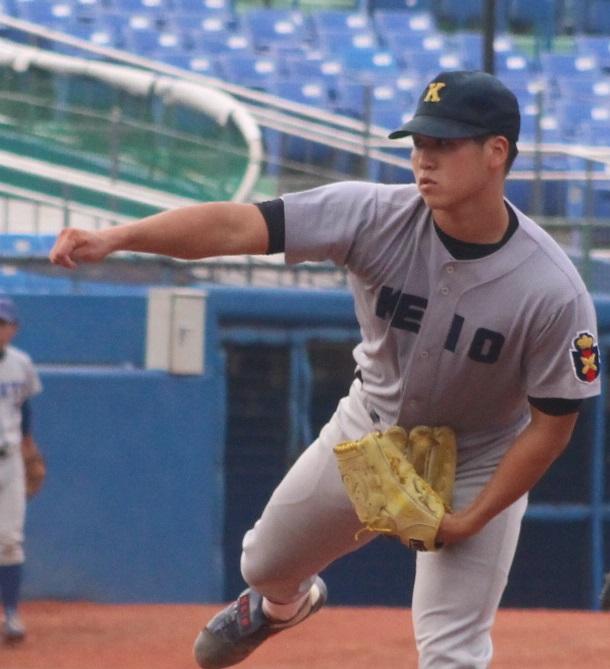 慶大・加藤投手が投げてはノーヒットノーラン、打っては1本塁打と活躍した(撮影・関根隆朗)