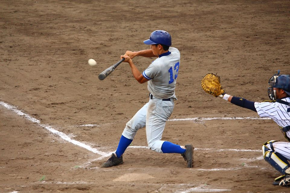 大音選手の適時二塁打で同点に(写真は軟式野球部提供)
