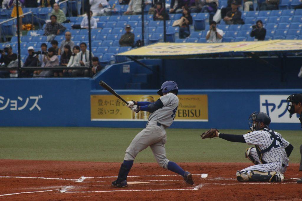 十回表、桐生選手の適時打で勝ち越しに成功する(撮影・関根隆朗)