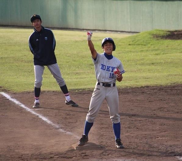 平野選手の左前適時打で一時逆転に成功する(写真は軟式野球部提供)